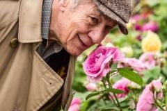 Sir-Ian-McKellen-@-David-Austin-Roses-Chelsea-Flower-Show-2015-1400x2100